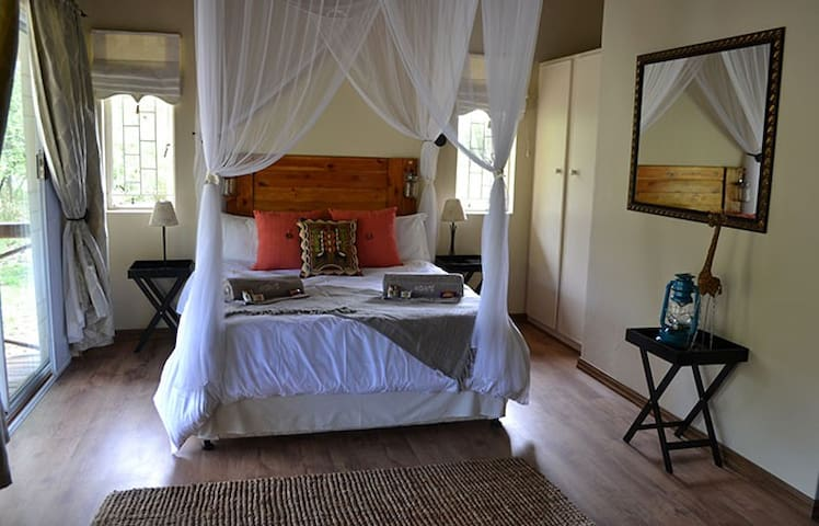 Fountain Suite at Andante Game Farm