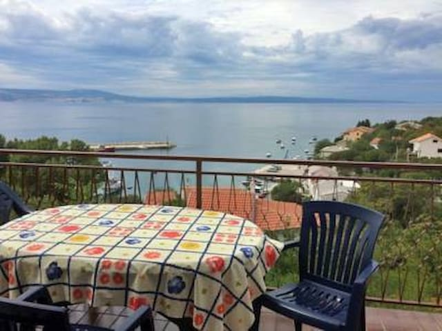 Big apartment with sea view - Klenovica - Departamento