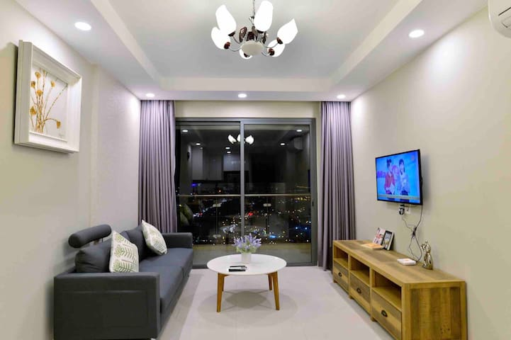 80m2 Top Floor(33rd) 2BR High-end Condo |Gold View