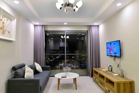 80m2 Top Floor(33rd) 2BR High-end Condo  Gold View