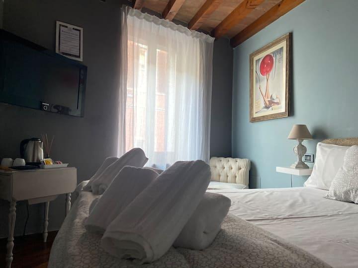 Le camere di Bsuites 1.1 camera con bagno privato