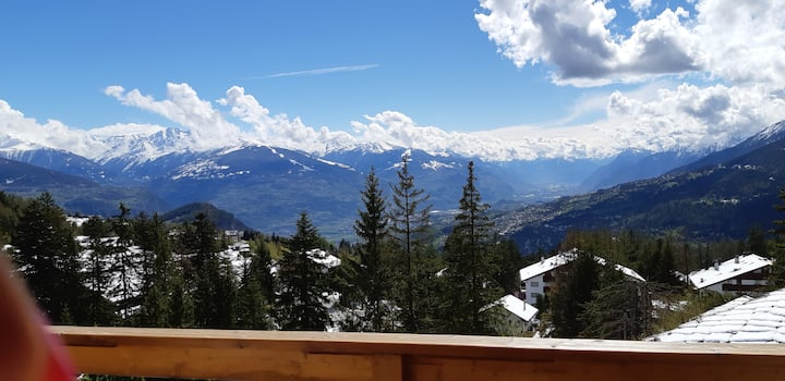 Impresionante vista de Crans-Montana-Switzerland