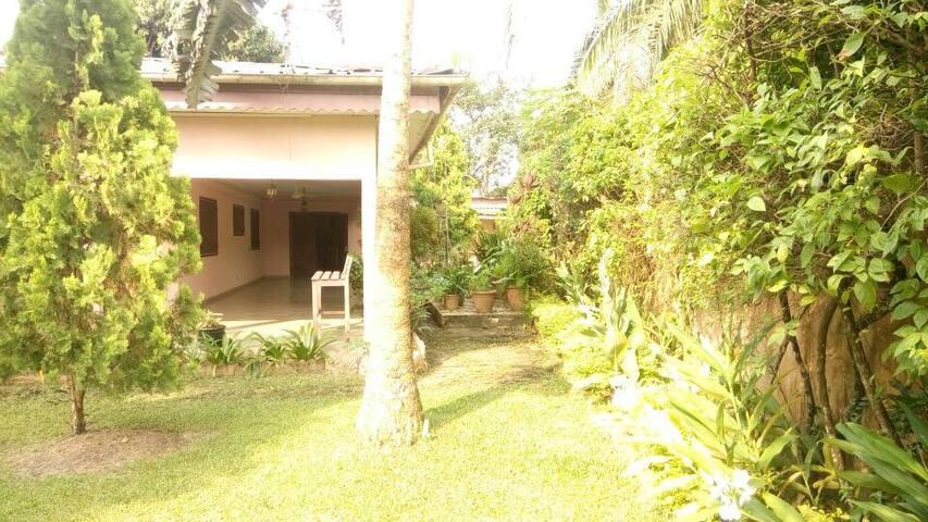 Belle villa à Libreville 3 chambres quartier okala