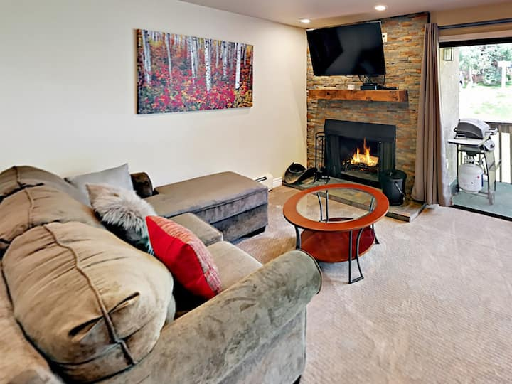 Remodeled Condo Near Vail Mountain