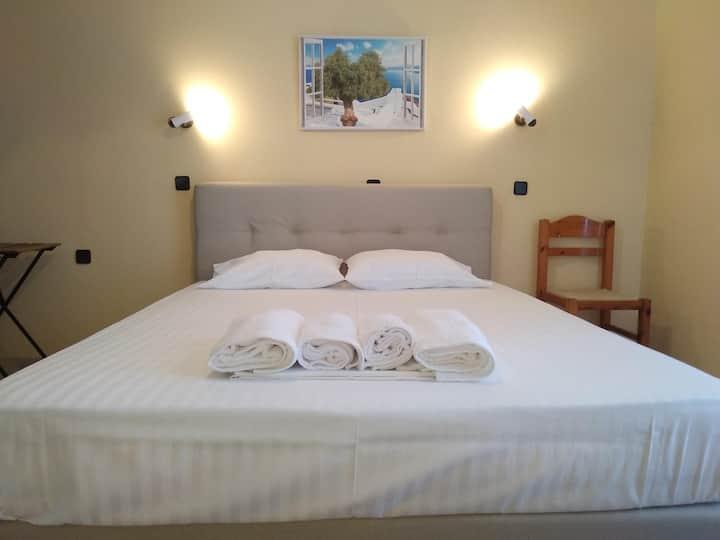 Comfortable Private Room - Elefteria