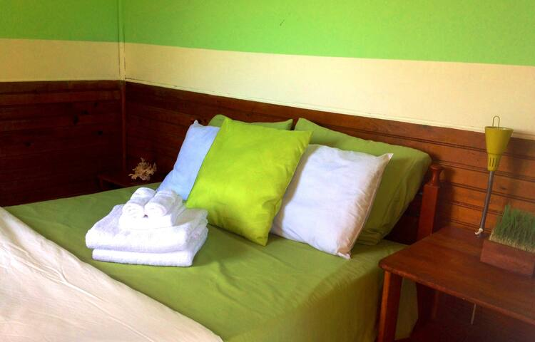 Barrbra Double Bed # 4 - Bocas del Toro - Bed & Breakfast