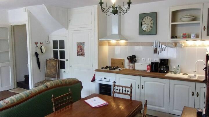 Charming Montmorillon Maison