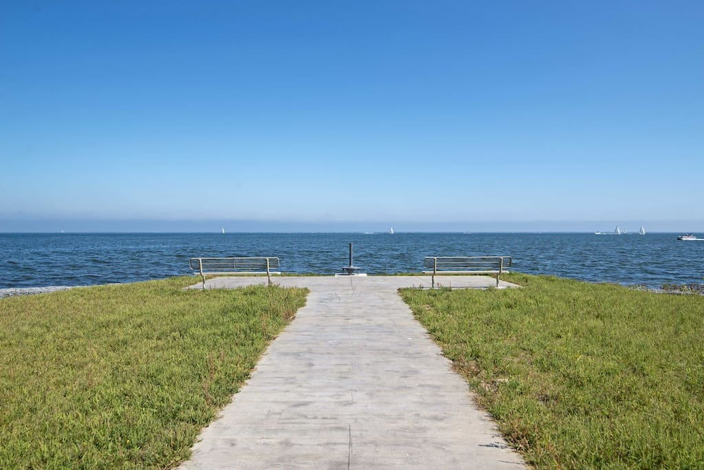 This inviting home sleeps 6-7 guests and rests within walking distance to the shore and beautiful Bayfront Park.