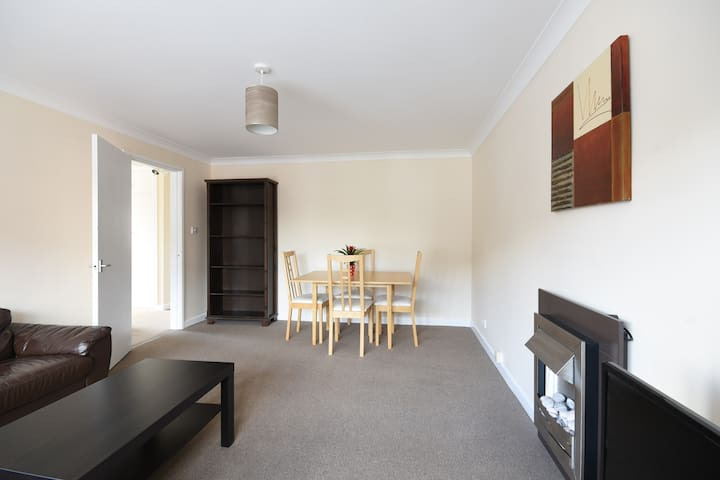 Spacious flat available in West Bridgford - West Bridgford - Apartment