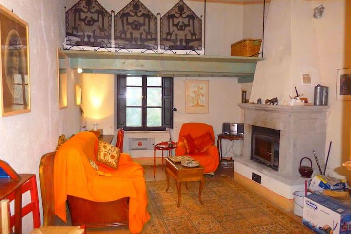 Bella casa vacanze a Sorano, Italia, vicino al bosco