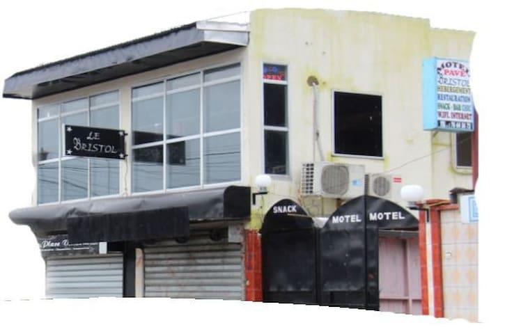 Motel Pavé Bristol