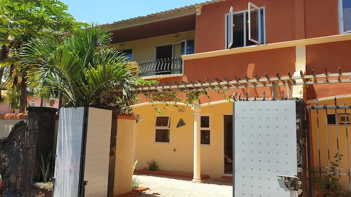 4 kot nou guest house, 2 minutes walk to the beach