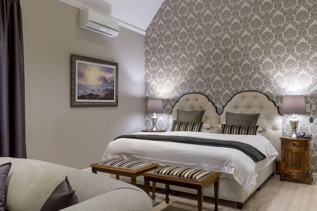 Manor House Room 1