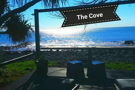 The Cove Retreat Apartment Oceanfront pet friendly