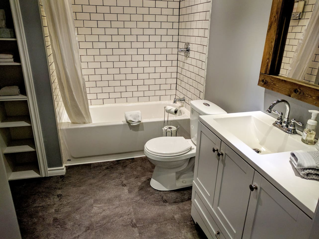 4 piece ensuite bathroom all to yourself!