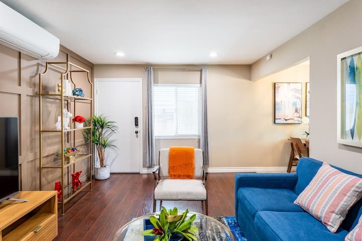 ** Walk to Japan Town from a Mid-Century Condo **