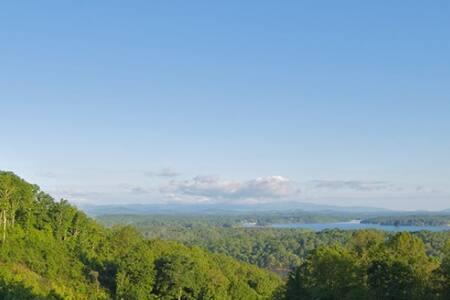 Majestic Lake - Morganton