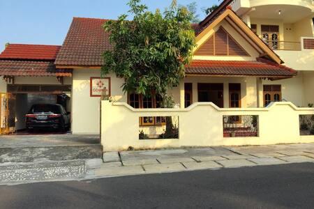 Gowinda Guest House 2 - Penginapan Full 1 Rumah - Kecamatan Sleman - Guesthouse