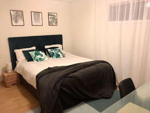 Superbe chambre dans maison avec jardin