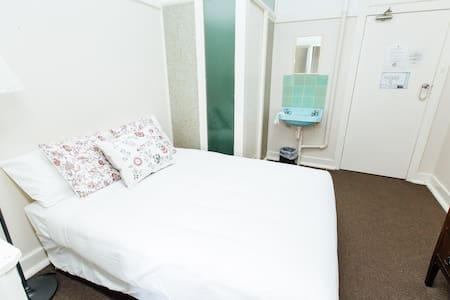 Double Room - Shared Bath, Pool, Tennis & Gardens