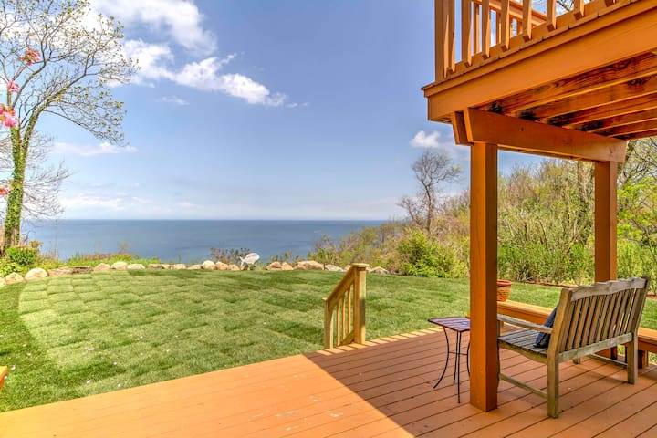 NEW! 3BR Rocky Point House Overlooking the Water!