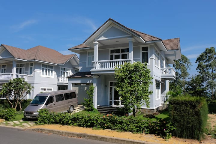 Phan Thiet @Sealinks HUGE ENTIRE 4bedrooms Villa