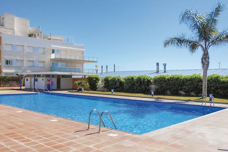 Holiday apartment with 4 bedrooms on 100m² in Cubelles
