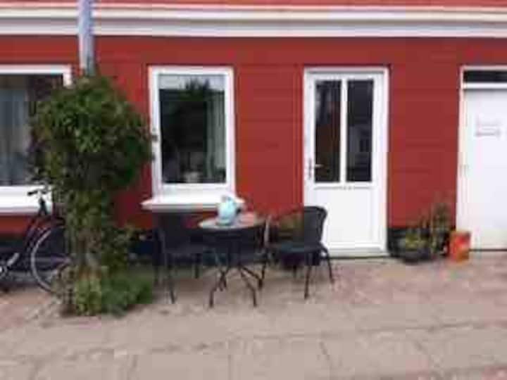 Kvistlejlighed i Byhus, med godt fjordkig