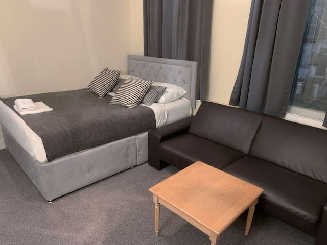 Spacious studio APT in the heart of central London