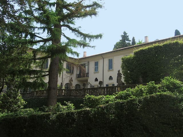 Apartment-Piano Nobile-Villa Agnesi, Montevecchia