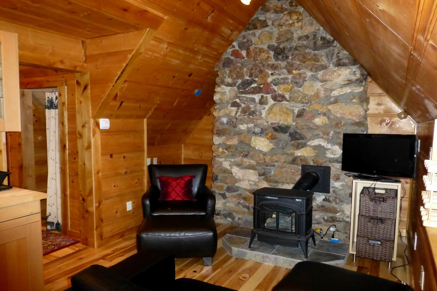 Blackwood Canyon Stone with Gas Log Stove