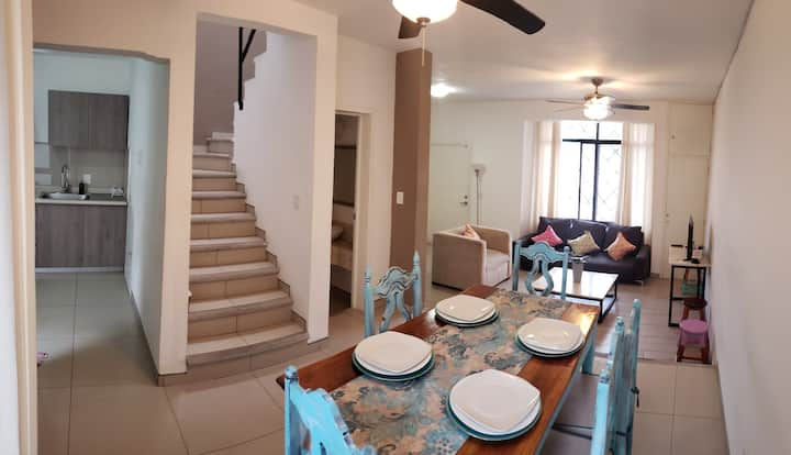 4 br large families home @ Golden zone, Caña Hueca