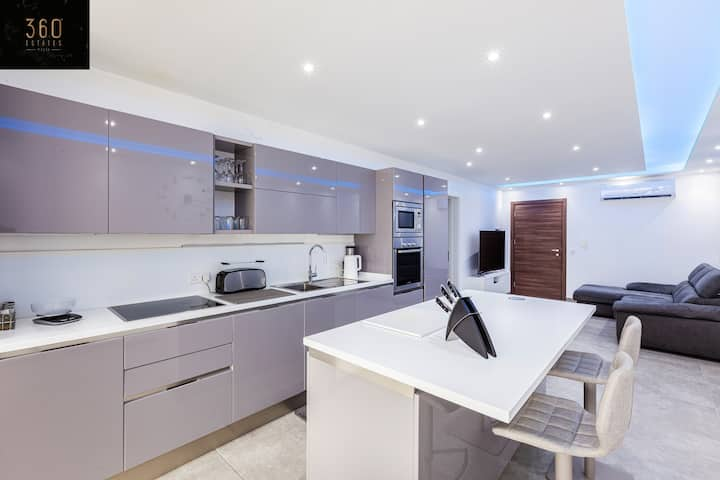 State of the art, brand new 1BR in central MALTA