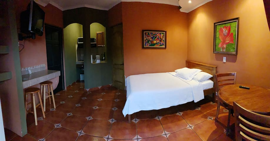 Room with fully equipped kitchen and private bathroom