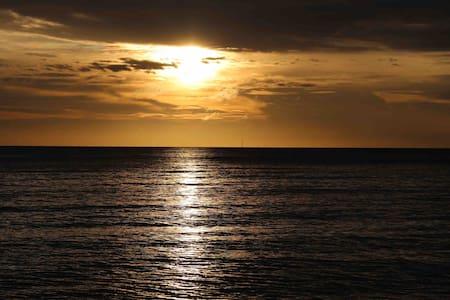 静心海岛美食至美日落健康游大二房