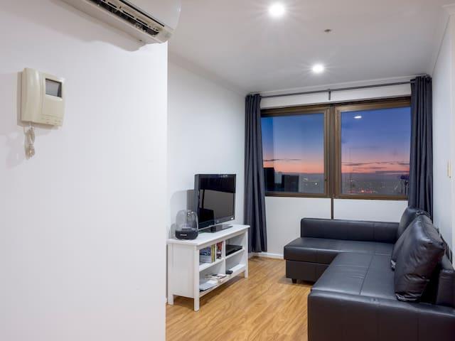 Lounge with Sofa Bed, Tv, Blu-Ray Player Harman Kardan Sound & Reverse Cycle Aircon