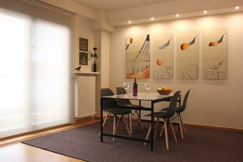 Dining Table | ROOSTER Palama Apartment