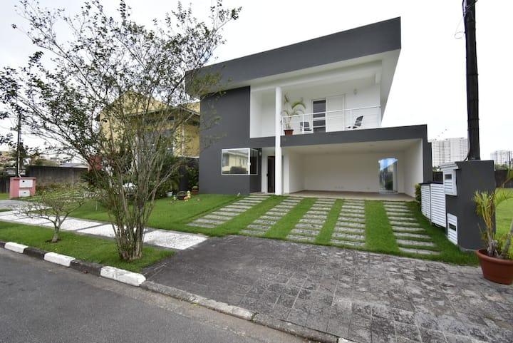 Casa com Piscina Guarujá Condomínio Central Park