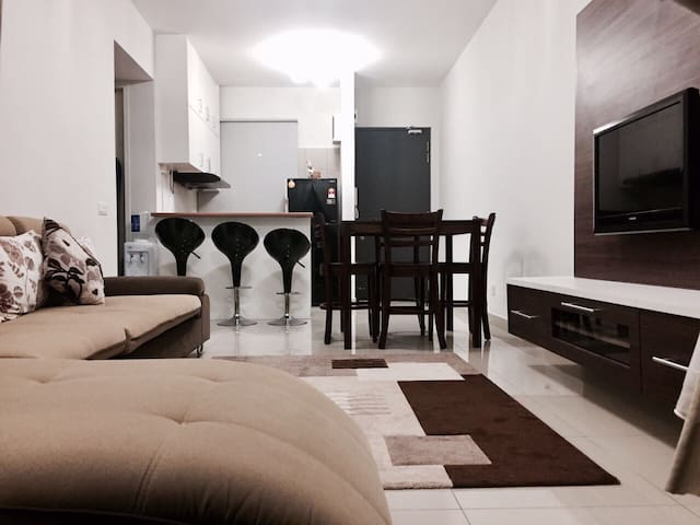 Comfortable Place to Stay - UNIV360 Condo, Serdang - Seri Kembangan