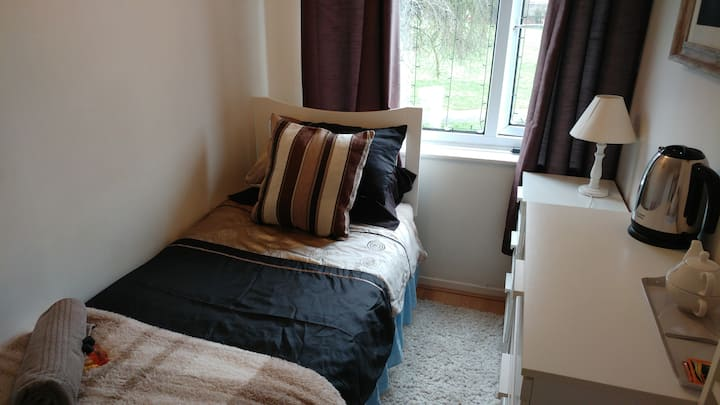 Single bedroom in a quiet cul-de-sac in Daventry