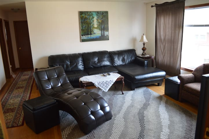 Homey Chicago Condo (2Br-1Ba) - Chicago - Daire