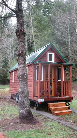 Tiny House on Wheels near Mt Baker - Deming - Rumah