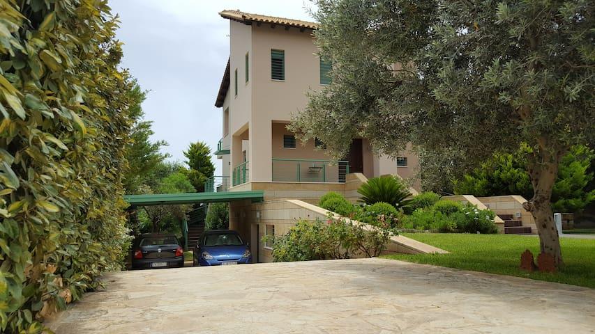Penelope's Villa, 200 sq.m in Kineta Attikis - Kineta - Βίλα