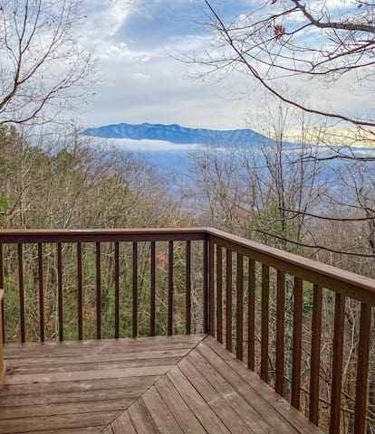 Big Mt. LeConte Views/3.5 Miles 2 DwTn Gatlinburg