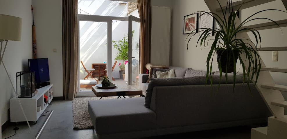 Private room in cosy townhouse near Ghent City