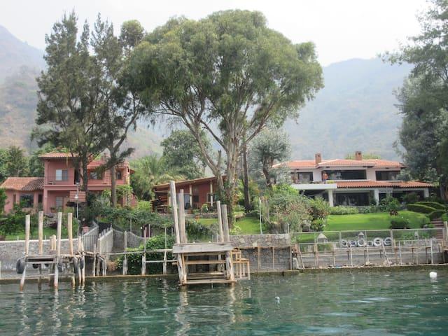 Casa de Juan is the middle house