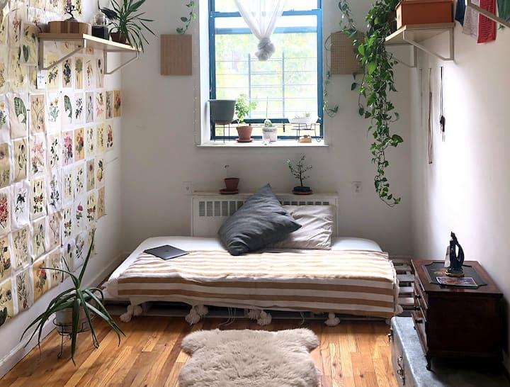 Private Sun Filled Herbal Room in BK Loft