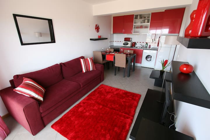 Red Rose Apartment at Oceano Atlantico