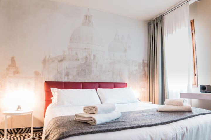 Tower Suite Cannaregio Canal View 205