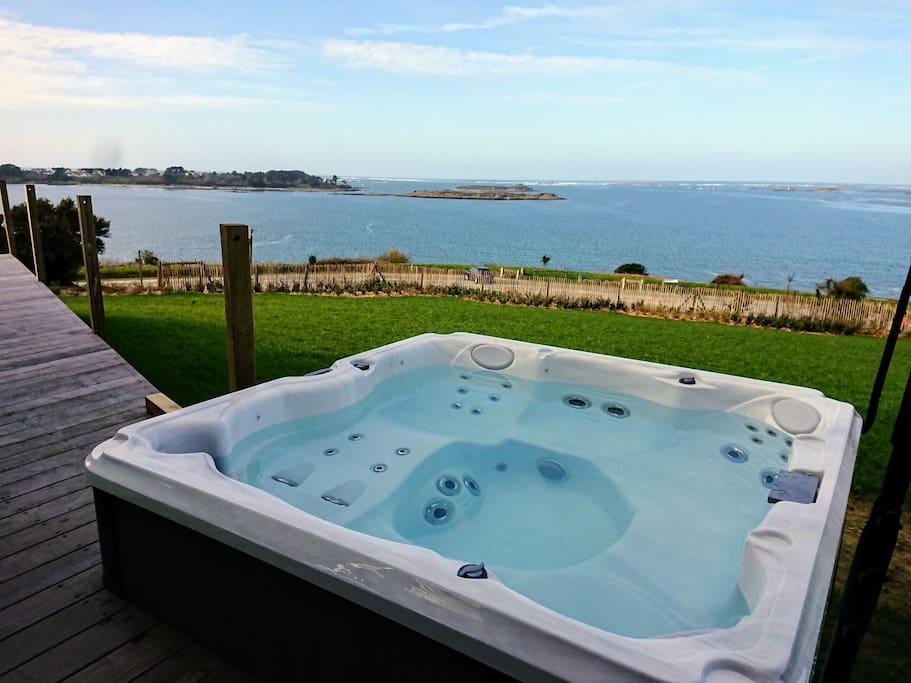 maison vue mer exceptionnelle piscine jacuzzi maisons organiques louer land da. Black Bedroom Furniture Sets. Home Design Ideas